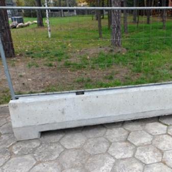 akcesoria niezbędne do ogrodzeń przenośnych